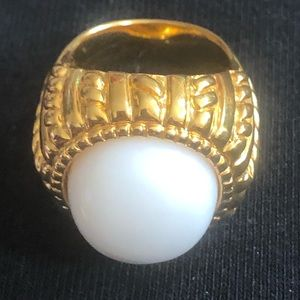 Jewelry - White Agate ring